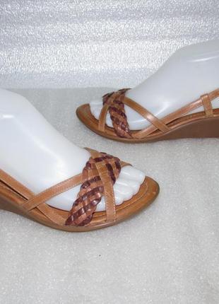 Clarks~ удобные кожаные босоножки ~новые размер 37