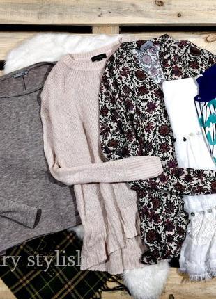 Пвкет вещей  2 свитера, блузка, футболка и юбка