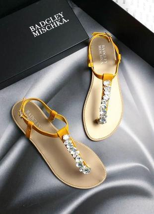 Badgley mischka оригинал кожаные желтые сандалии с камнями2 фото