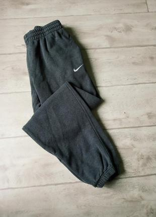 Спортивные штаны nike athletic dept tech fleece