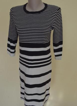 Красивое брендовое трикотажное платье