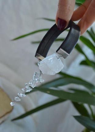 Кожаный черный браслет с горным хрусталем ′метелица′