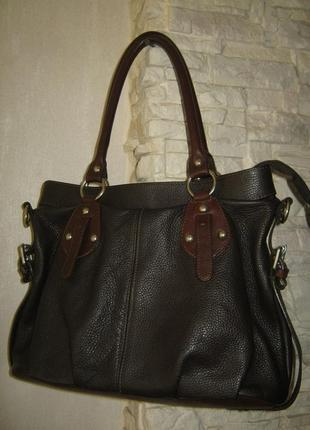 Итальянская кожаная сумка большая не тяжелая натуральная зернистая кожа на молнии
