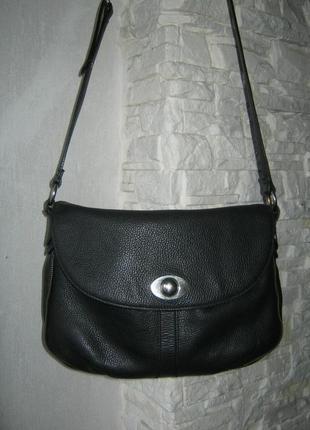 Большая черная кожаная сумка кросс боди не тяжелая натуральная кожа