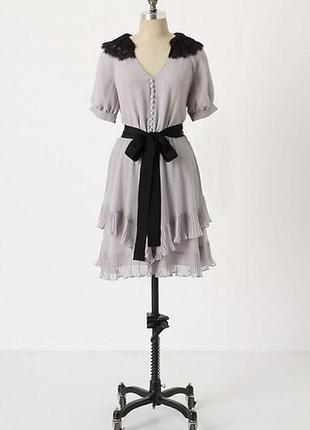 Mcginn платье серое с чёрным поясом и эполетами из гипюра винтажное