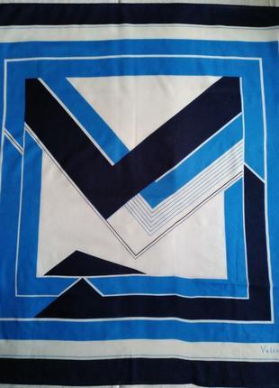 Valentina - шейный платок в геометрический принт, 87х88 см.