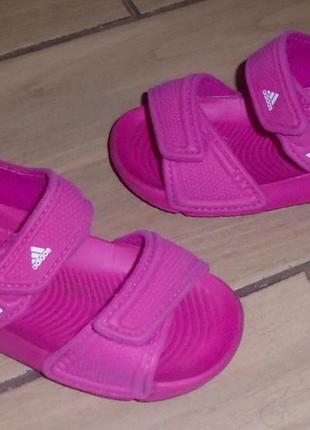 Adidas босоножки 21 р