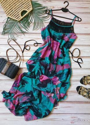 Крутое шифоновое летнее платье с цветами и поясом