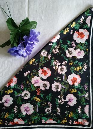 Платок в цветочный принт h&m, 54х55 см.