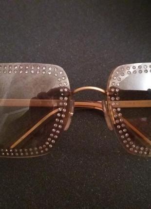 Солнцезащитные очки chanel  оригинальные. украшены камнями swarovski.4 фото