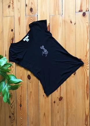 Классная чёрная футболка с вышивкой от h&m. р-р м