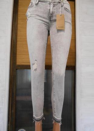 Красивые мягкие джинсы   s-ка