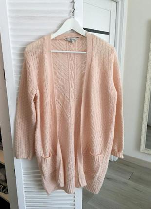 Кардиган свитер нежного цвета
