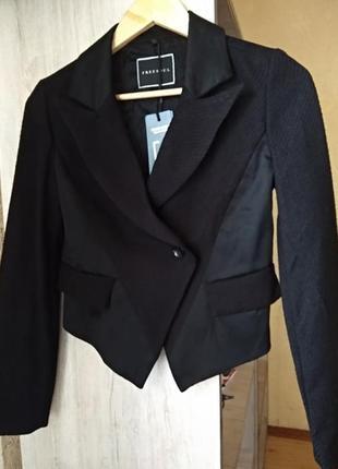 Короткий пиджак freesoul