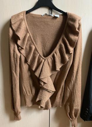 Оригинальный свитер.
