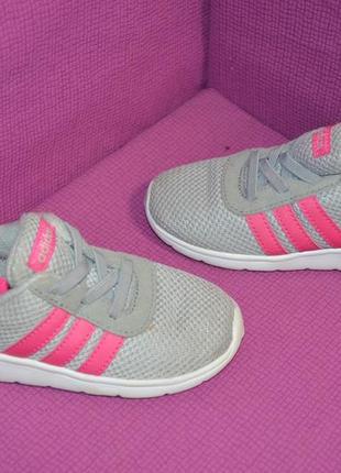 Не весомые кроссовки adidas neo , оригинал