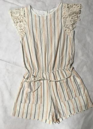 Стильный комбинезон платье-шорты с кружевом zara с золотом с ремешком