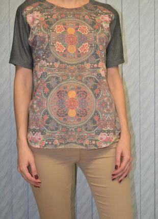 Стильная футболка berhska1