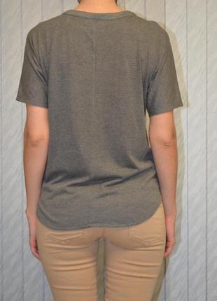 Стильная футболка berhska2