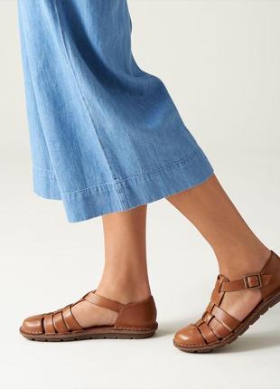 Закрытые сандалии clarks из натуральной кожи