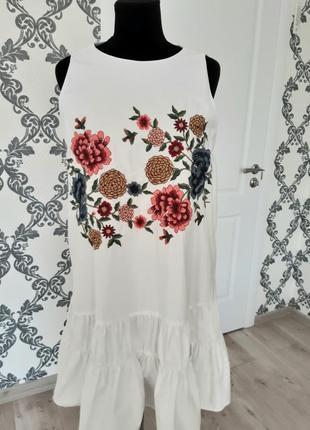 Красивое белое платье сарафан с вышивкой л 12