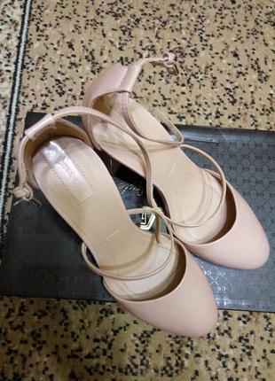 Туфли цвета розовой пудры stradivarius1