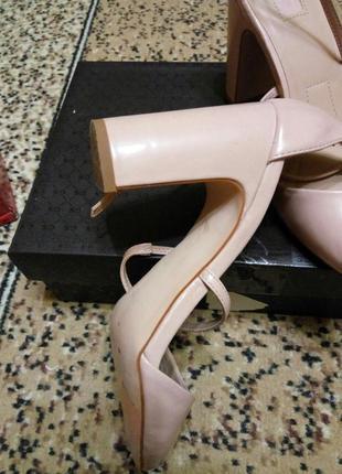 Туфли цвета розовой пудры stradivarius3