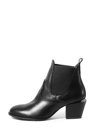 Женские кожаные классические черные демисезонные ботинки натуральная кожа