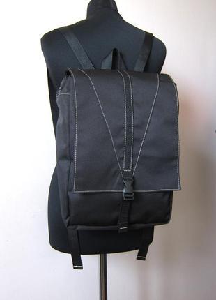Черный рюкзак с отделением для планшета или ноутбука4