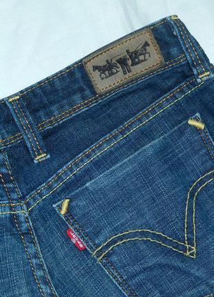 Levis джинсы в отличном состоянии,s/m на невысокий рост4