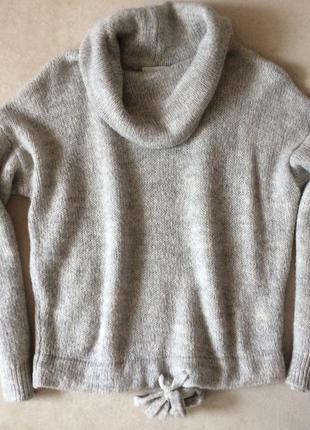 Мягкий тёплый свитерок с воротом-хомутом h&n1