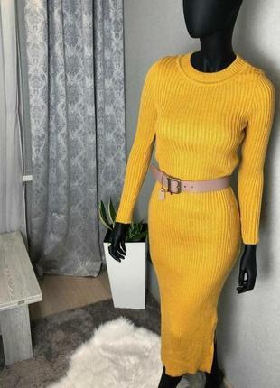 Платье в рубчик вязаное