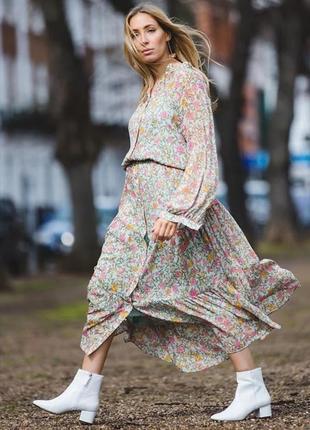Крутое платье h&m свободного кроя в цветочный принт