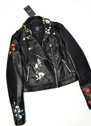Куртка косуха кожаная с вышивкой bershka