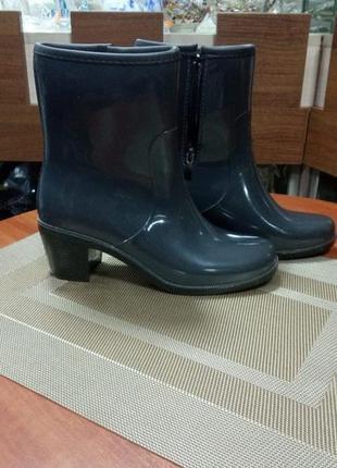 Новые сапоги ботинки резиновые 36 37 размер