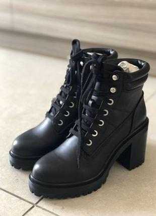 Ботинки кожаные zara новые р. 36