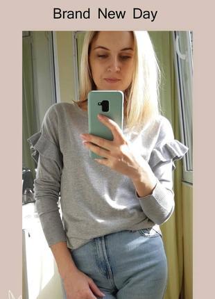 Романтичный свитер с воланами, размер 38-40