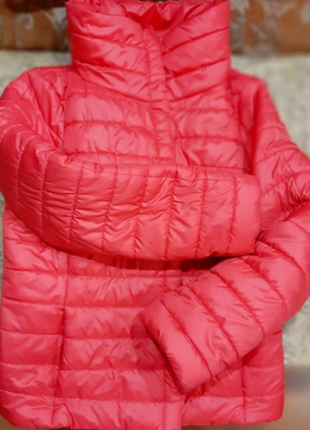 Неймовірна гарна і стильна курточка!!!