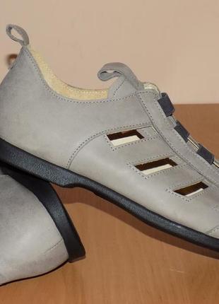 Кожаные фирменные качественные туфли 39.5-40 р ( кожа везде)