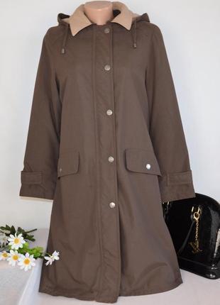Брендовая коричневая куртка с капюшоном и карманами синтепон этикетка