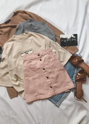 Розовая джинсовая юбка на пуговицах