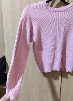 Розовый нежный свитерок