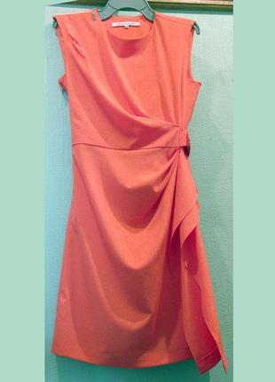 Коктейльное платье кораллового цвета