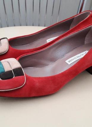 36 - 36,5. итальянские замшевые стильные туфли  lature chose