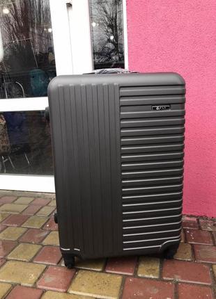 Чемодан ,валіза ,польский, пластиковый ,качественный