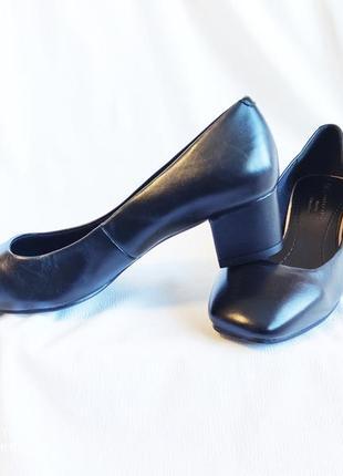 Туфли женские кожаные черные лодочки на каблуке m&s marks & spencer
