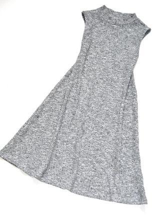 F&f. трикотажное серое платье а силуэта  в рубчик.  8-9 лет. рост 134 см