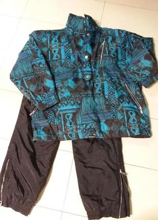 Яркая куртка для активного отдыха очень большого 28-30 размера