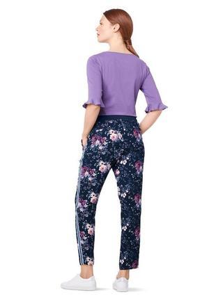 Стильные цветочные  брюки  от tchibo(германия), рр. наши: 42-44 (36 евро)