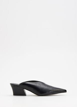 Туфли мюли на небольшом каблуке reserved